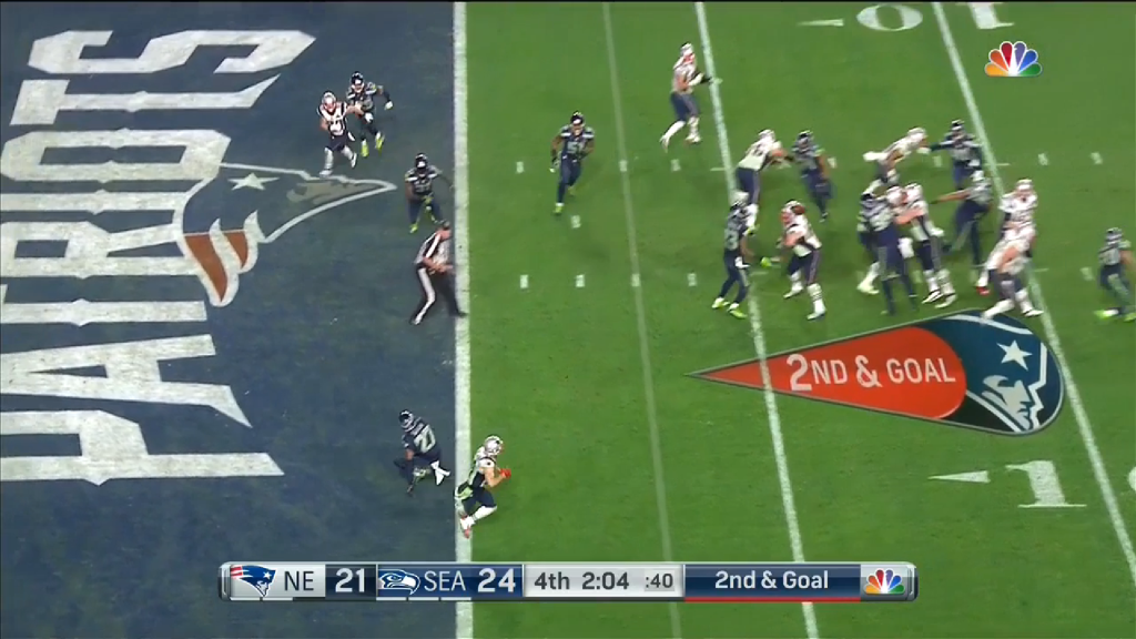 Simon's momentum is only just recovering as Edelman breaks to the outside.